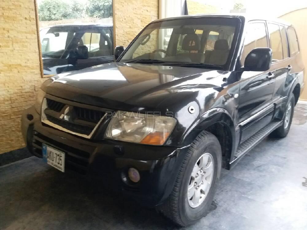 Mitsubishi Pajero 2005 Image-1