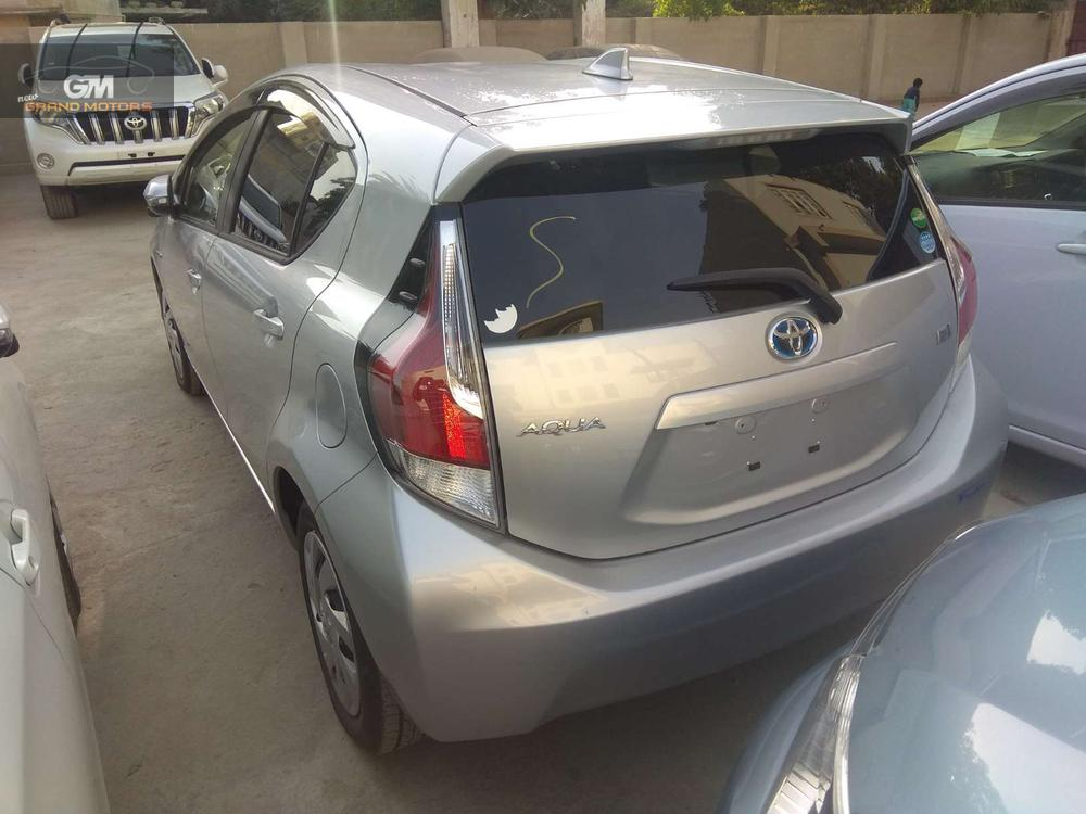 Price is flexible. Auction sheet can be verified. Exchange is possible with other car. Alloy Rims. Urgently need to sellthe car. Fresh Import. Call/SMS only during office hours please.. Engine in pristine condition.