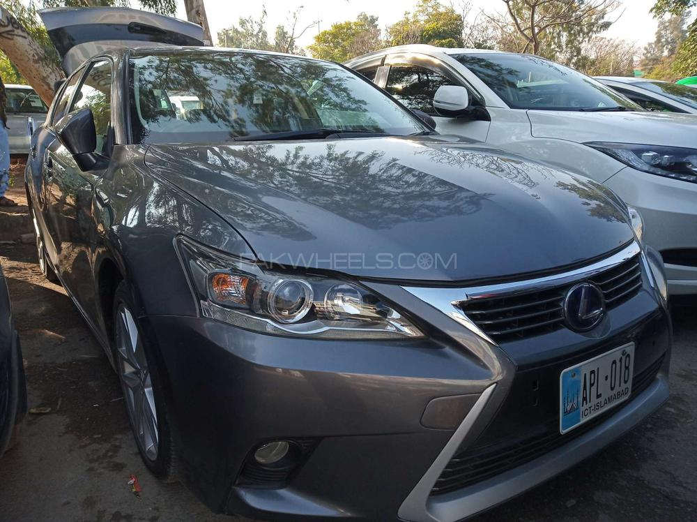 lexus ct200h f sport 2016 for sale in islamabad pakwheels. Black Bedroom Furniture Sets. Home Design Ideas