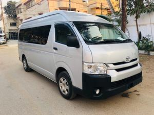 f511118ba4 Toyota Hiace GL 2015 for Sale in Karachi