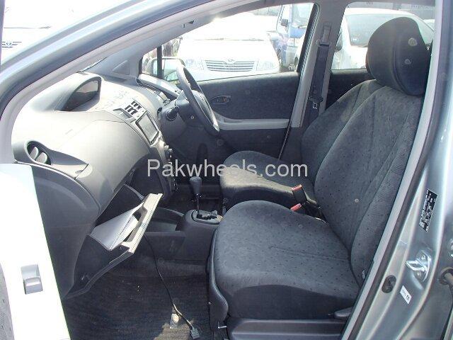 Toyota Vitz 2010 Image-6