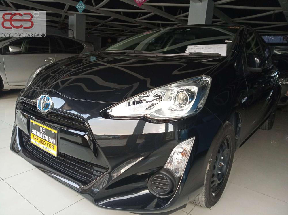 Toyota Aqua S 2015 Image-1