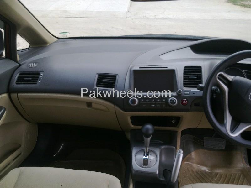 Honda Civic VTi Prosmatec 1.8 i-VTEC 2010 Image-6