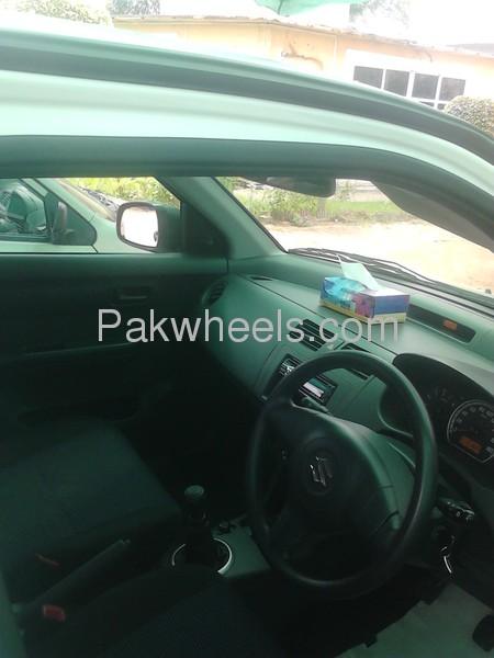 Suzuki Swift DX 1.3 2012 Image-5