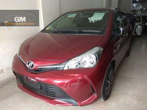 TOYOTA VITZ JEWELA 1.0 MODEL 2015 MAROON COLOR PUSH START  As good as a brand new car. Inside out fully original.