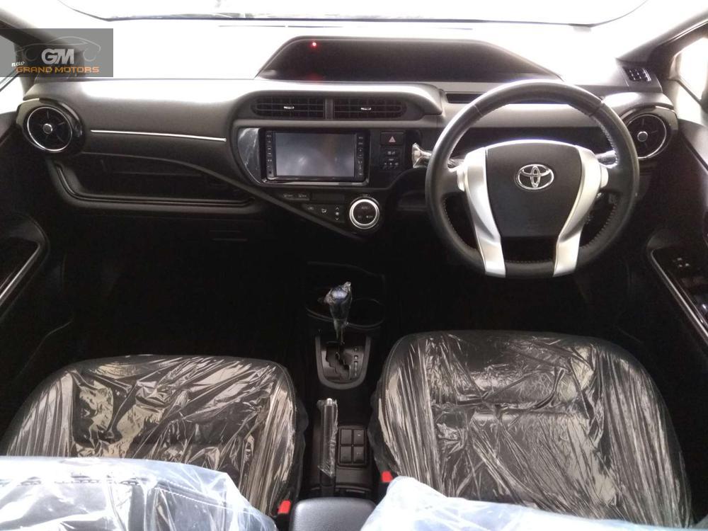 TOYOTA AQUA G LED SOFT LEATHER MODEL 2015 MILAGE 18000 1500cc COLOR BLACK