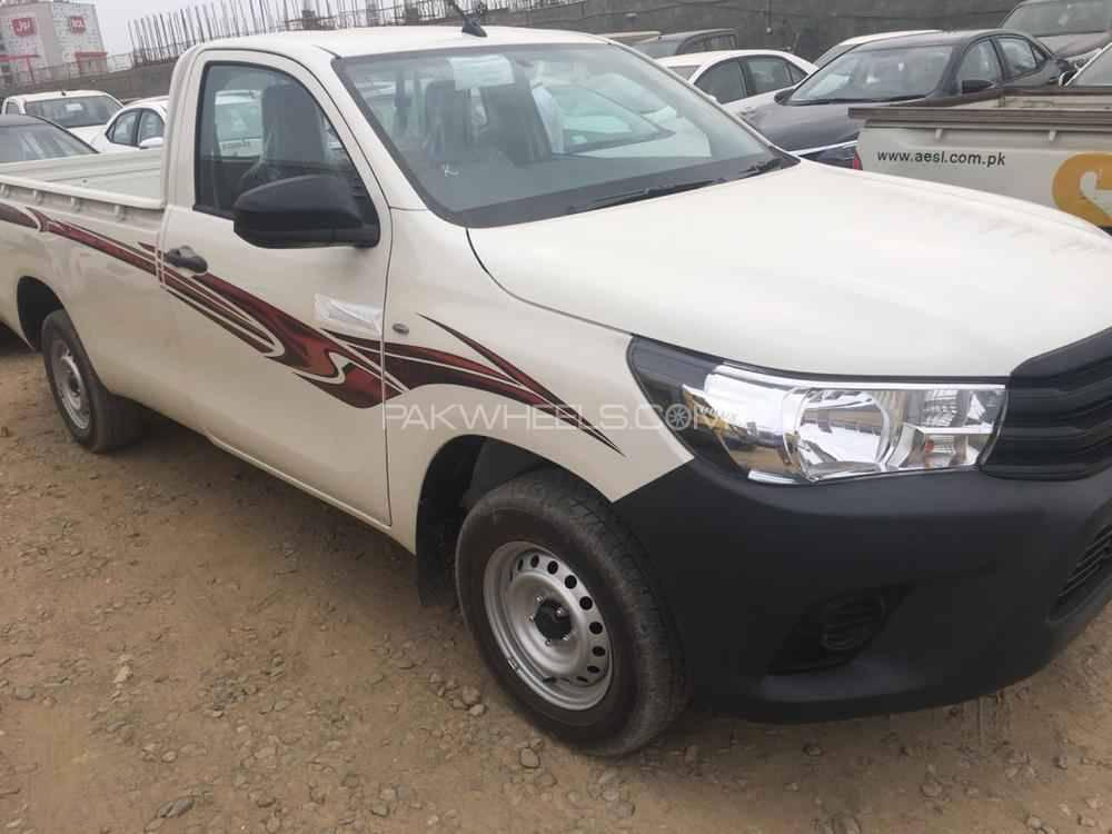 Toyota Hilux 4x2 Single Cab Up Spec 2018 for sale in Lahore | PakWheels