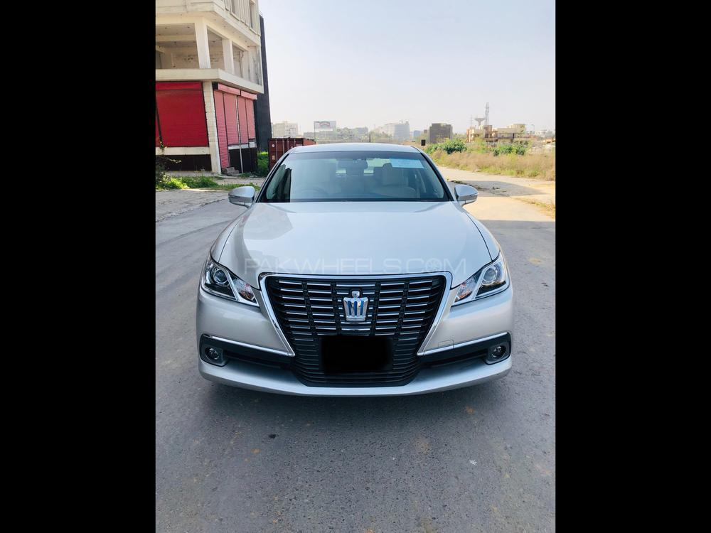 Toyota Crown Royal Saloon 2014 Image-1