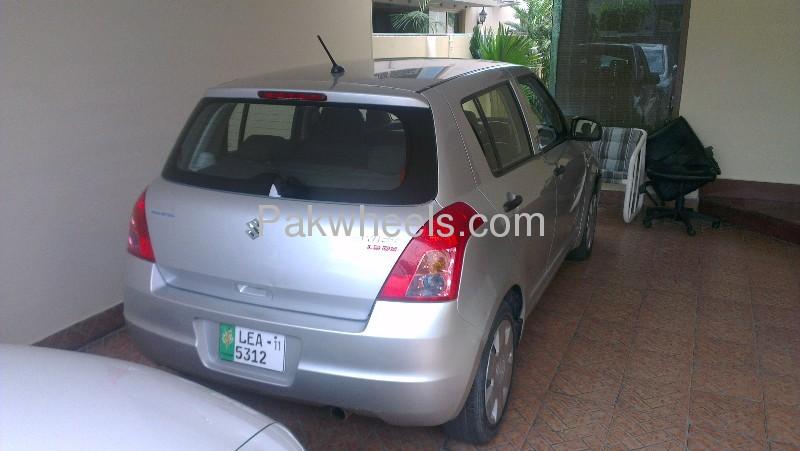 Suzuki Swift DX 1.3 2011 Image-3