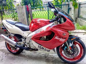 Yamaha YZF R1 Bikes for Sale in Pakistan | PakWheels