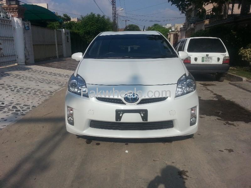 Toyota Prius G Touring Selection 1.8 2010 Image-3