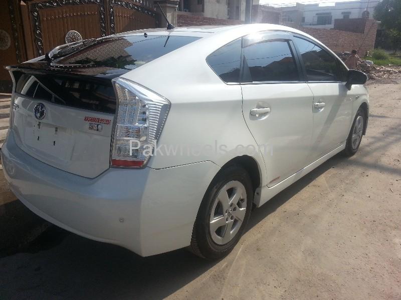 Toyota Prius G Touring Selection 1.8 2010 Image-5
