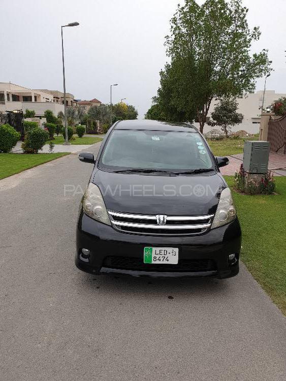 Toyota ISIS Platana 2007 Image-1