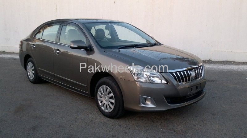 Toyota premio f 2008 price in pakistan