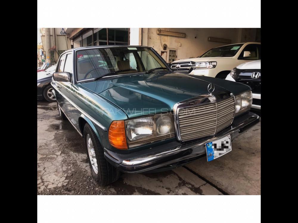 Mercedes Benz E Class E300 1983 Image-1