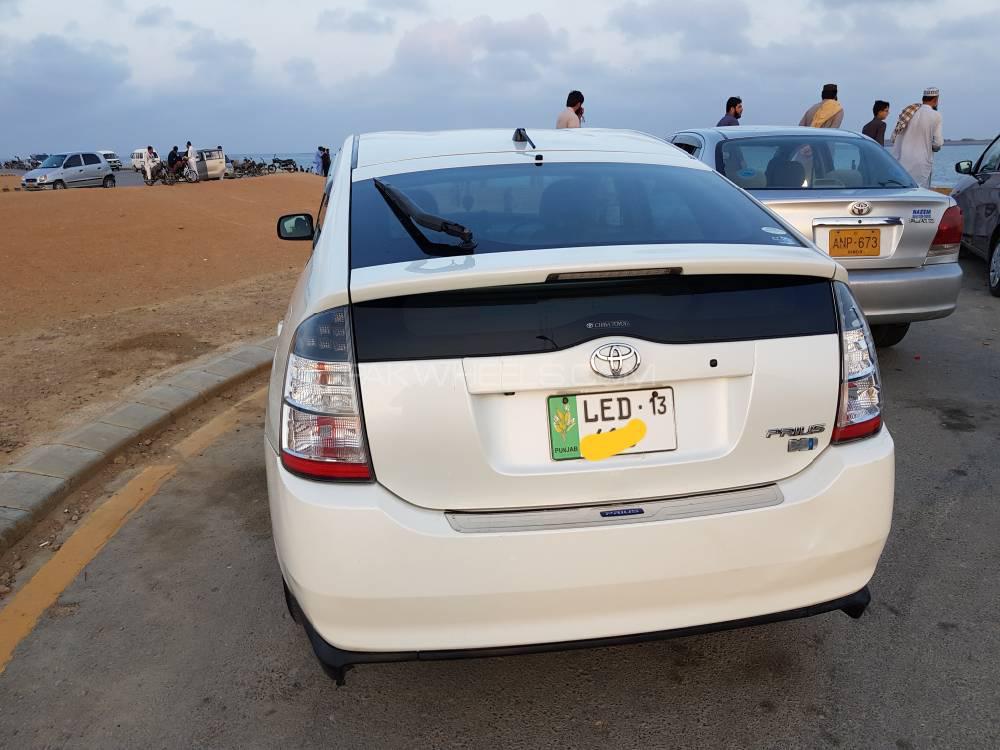 Toyota Prius Alpha S 2008 Image-1