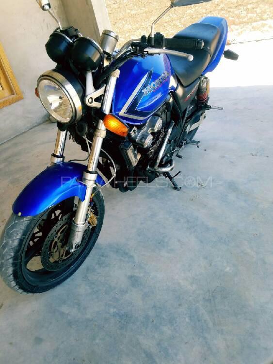 Honda CB400 2000 Image-1