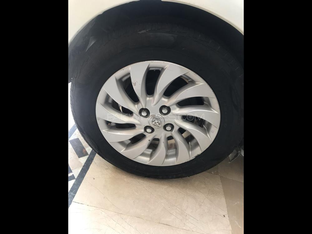 Toyota Aqua 2018 Image-1