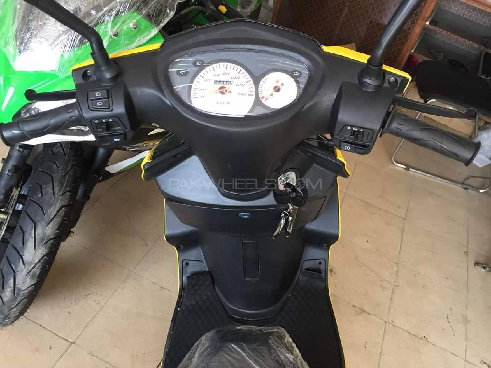 Vespa 150cc 2019 Image-1