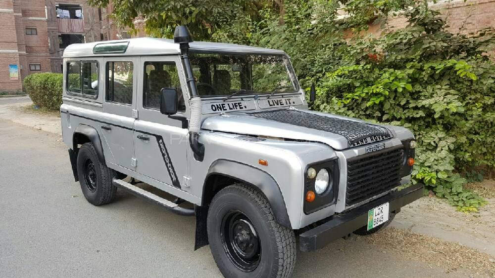 Land Rover Defender 2005 Image-1
