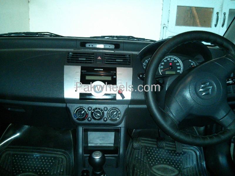 Suzuki Swift DLX 1.3 2012 Image-2