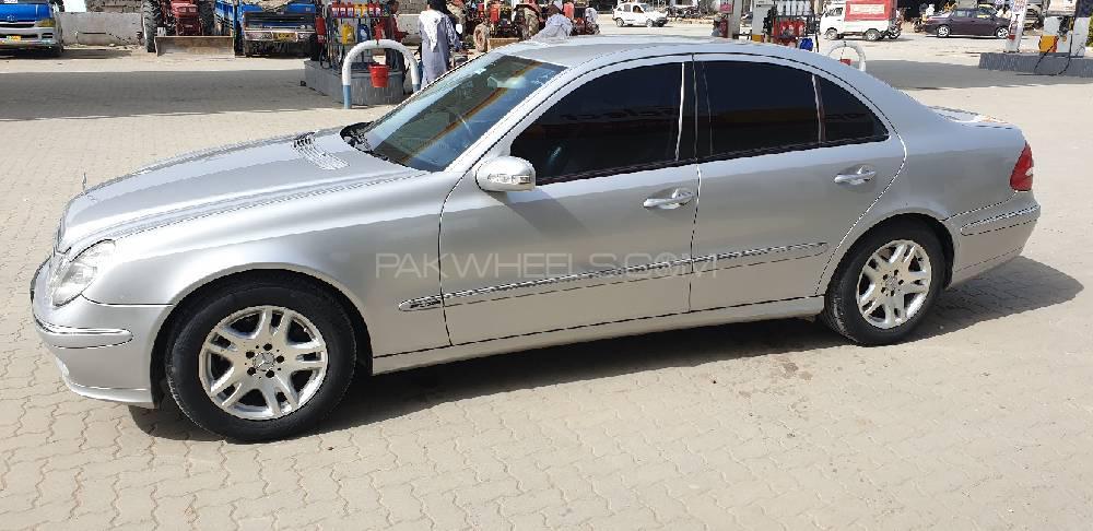 Mercedes Benz E Class 2004 Image-1