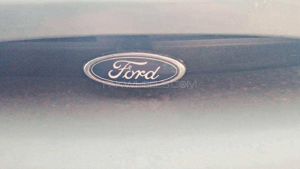 Ford Escort 1998 Image-1