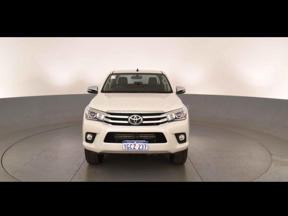 Toyota Hilux Revo G 2.8 2016 Image-1