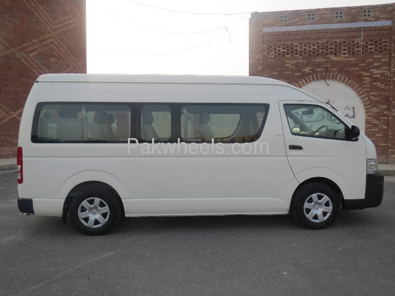 Toyota Hiace GL 2008 Image-2
