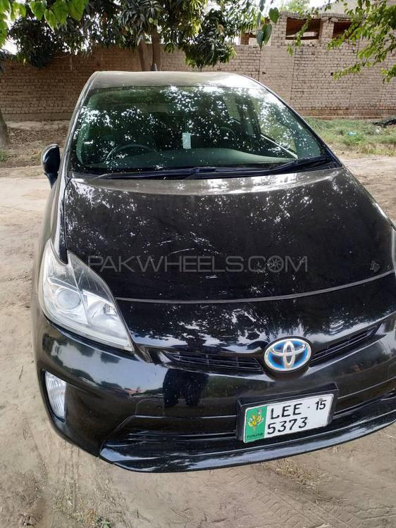 Toyota Prius PHV (Plug In Hybrid) 2015 Image-1