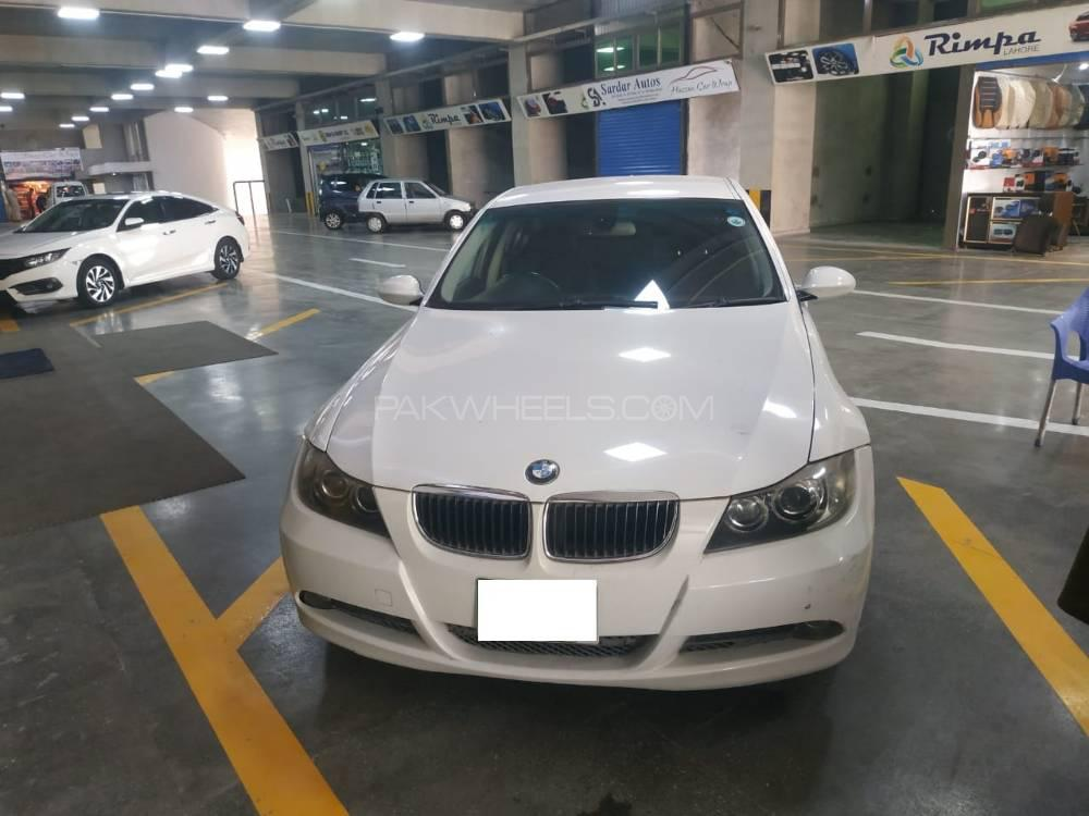 BMW 3 Series 320i 2005 Image-1