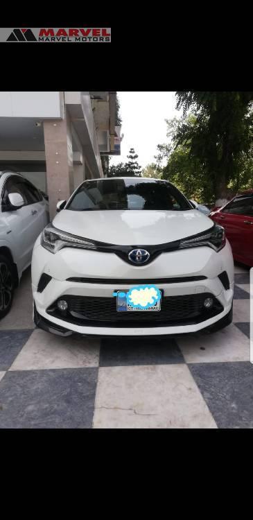 Toyota C-HR 1.8 Hybrid 2017 Image-1