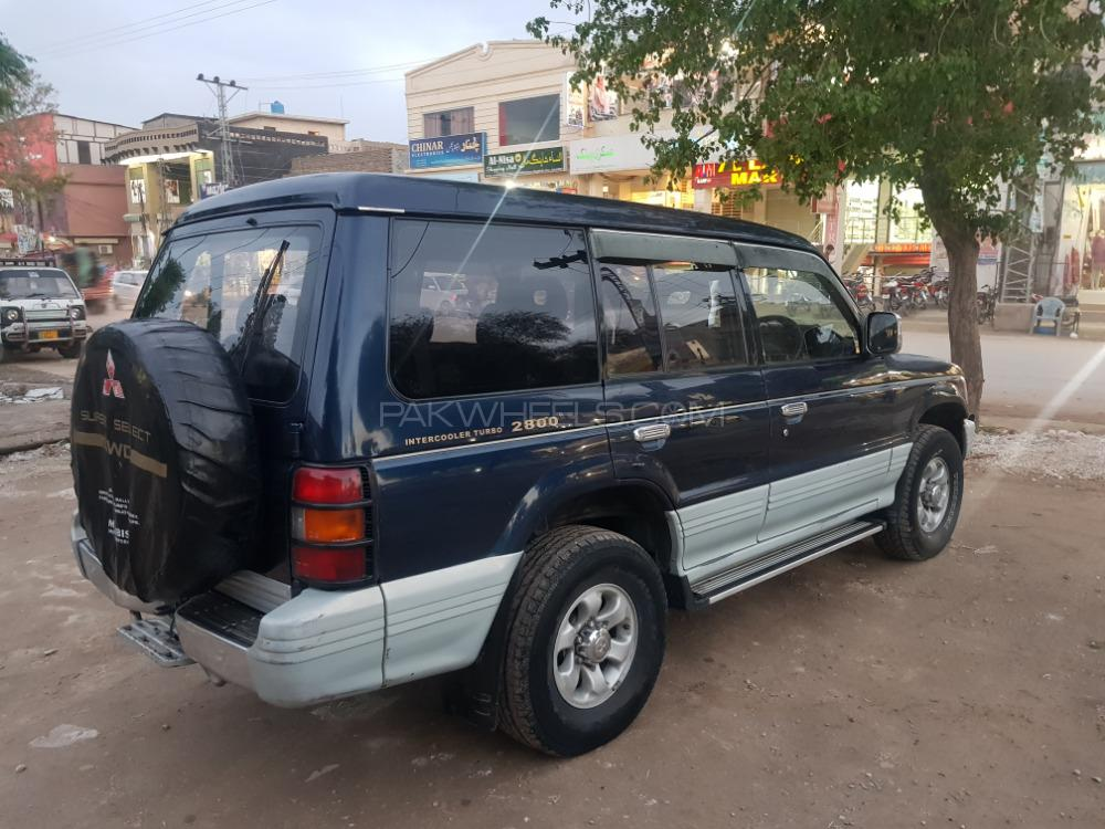 Mitsubishi Pajero Exceed Automatic 2.8D 1996 Image-1