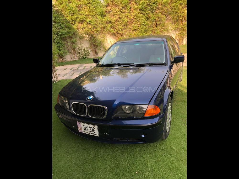 BMW 3 Series 318i 2003 Image-1