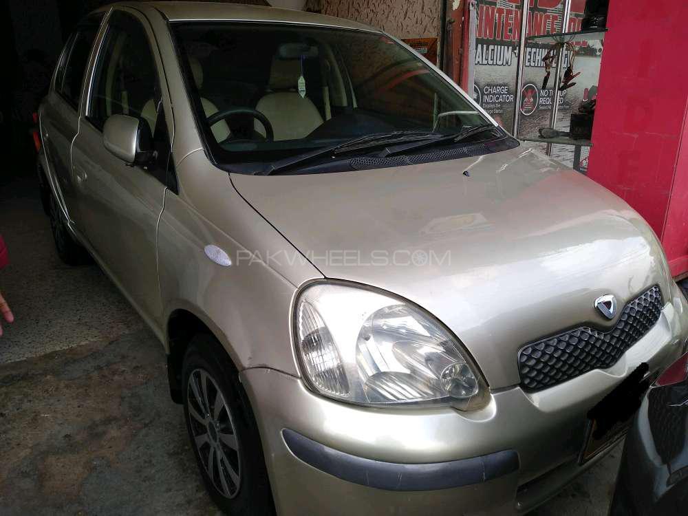 Toyota Vitz FL 1.0 2004 Image-1