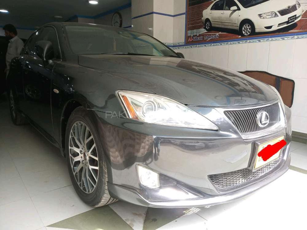 Lexus Is Series 2005 Image-1