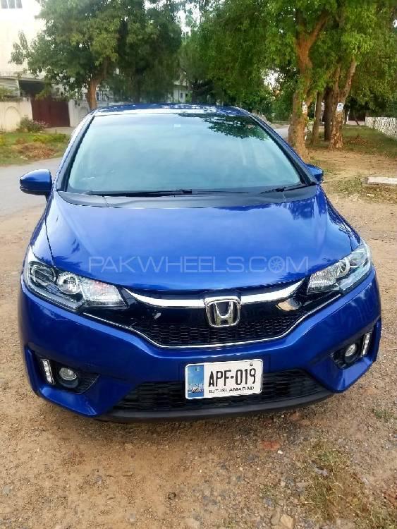Honda Fit 1.5 Hybrid F Package 2017 Image-1