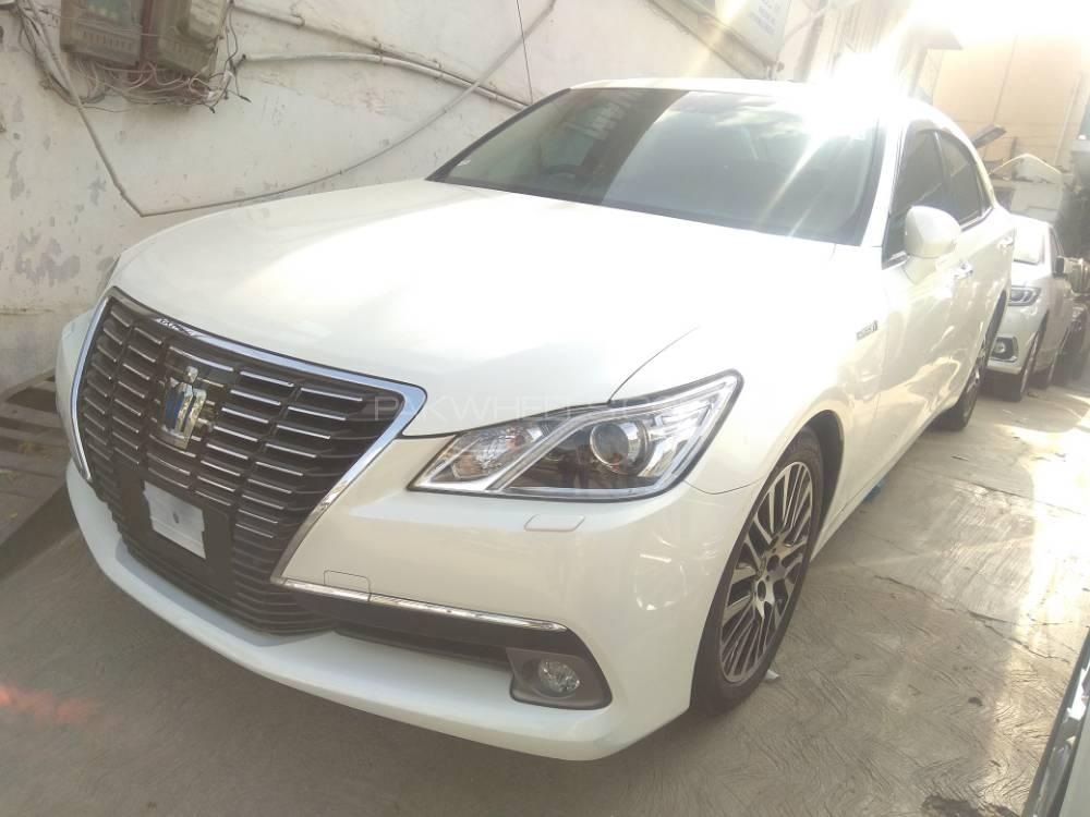 Toyota Crown Royal Saloon 2015 Image-1