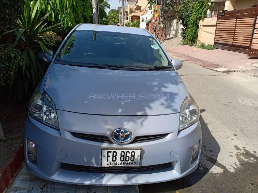Toyota Prius Alpha S Touring Selection GR Sport 2011 Image-1