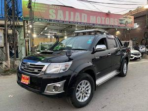 Toyota Hilux for sale in Lahore - Hilux Dala | PakWheels