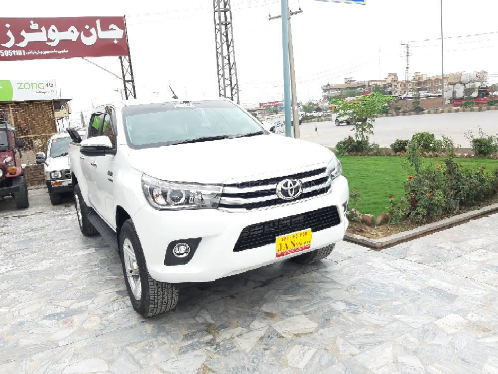 Toyota Hilux Revo V Automatic 2 8 2018 for sale in Peshawar | PakWheels