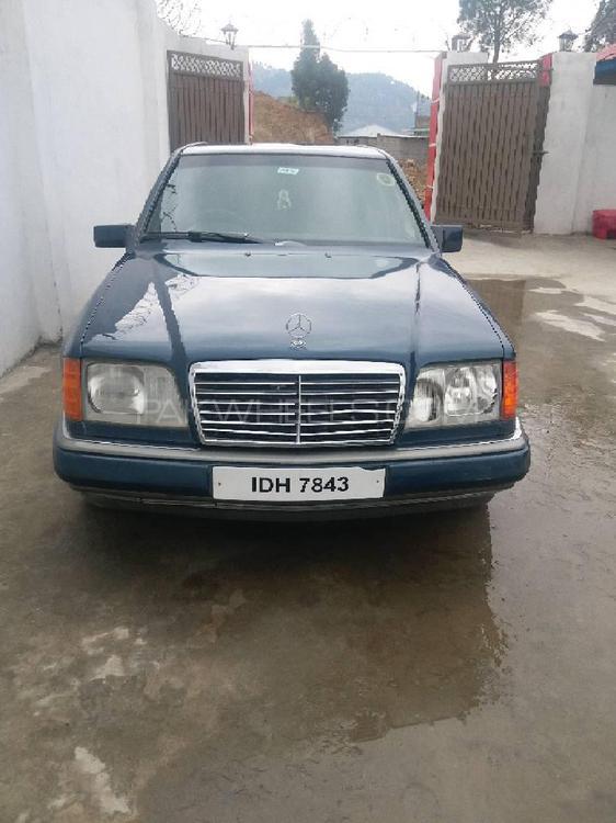 Mercedes Benz E Class E230 1992 Image-1
