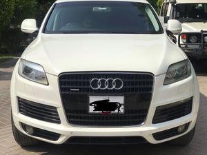 Audi Q7 Cars for sale in Pakistan | PakWheels