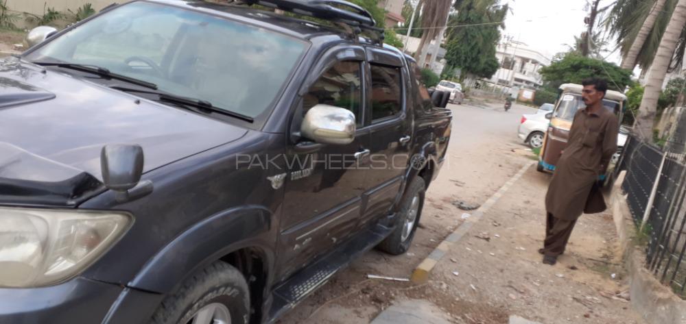 Toyota Hilux Invincible 2009 for sale in Karachi | PakWheels
