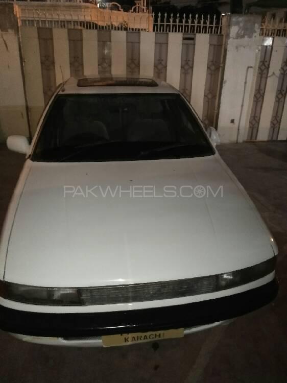 Mitsubishi Lancer GLX Automatic 1.3 1990 Image-1