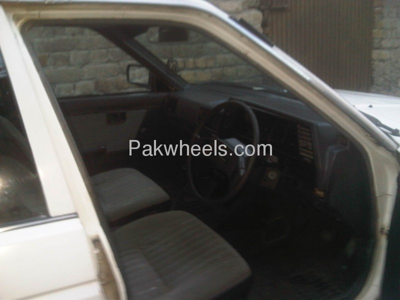 Nissan Sunny EX Saloon 1.3 (CNG) 1986 Image-7
