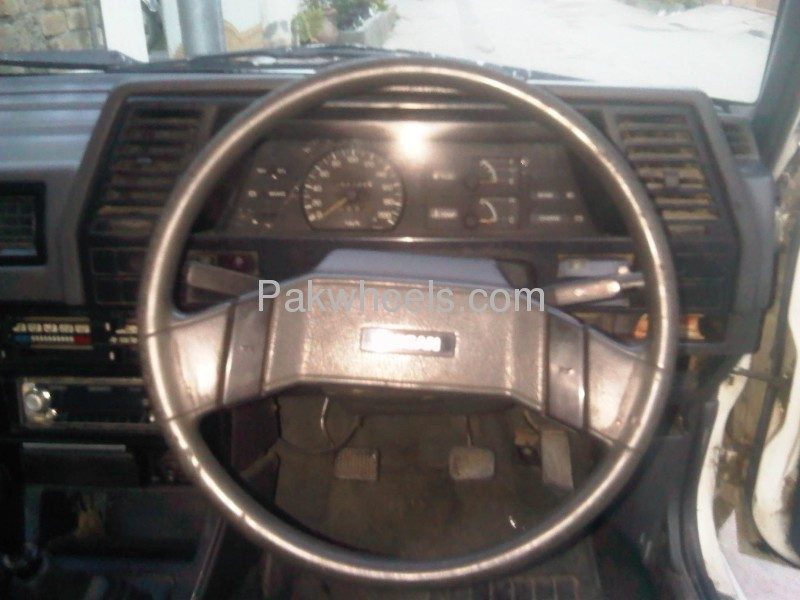Nissan Sunny EX Saloon 1.3 (CNG) 1986 Image-8
