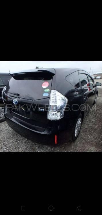 Toyota Prius Alpha S Touring 2014 Image-1