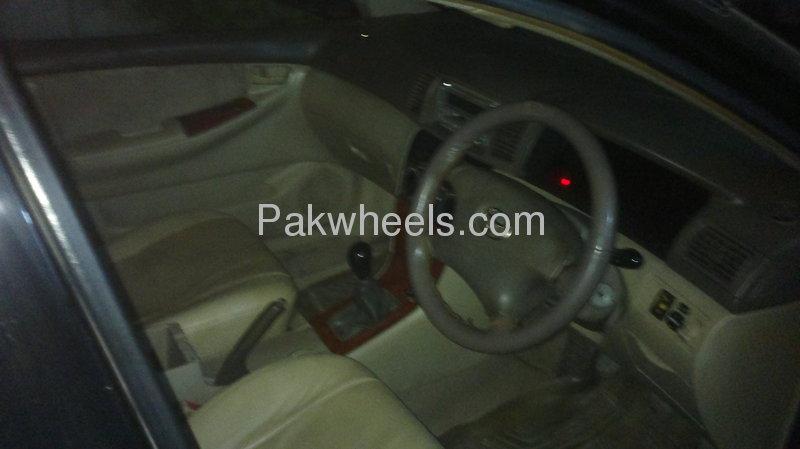 Toyota Corolla SE Saloon 2003 Image-6