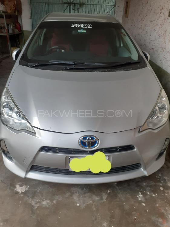 Toyota Aqua L 2013 Image-1